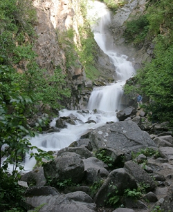 Lower Reid Falls is a short hike from the Gold Rush Cemetery. It is named for the man who gave his life for the honor of Skagway.